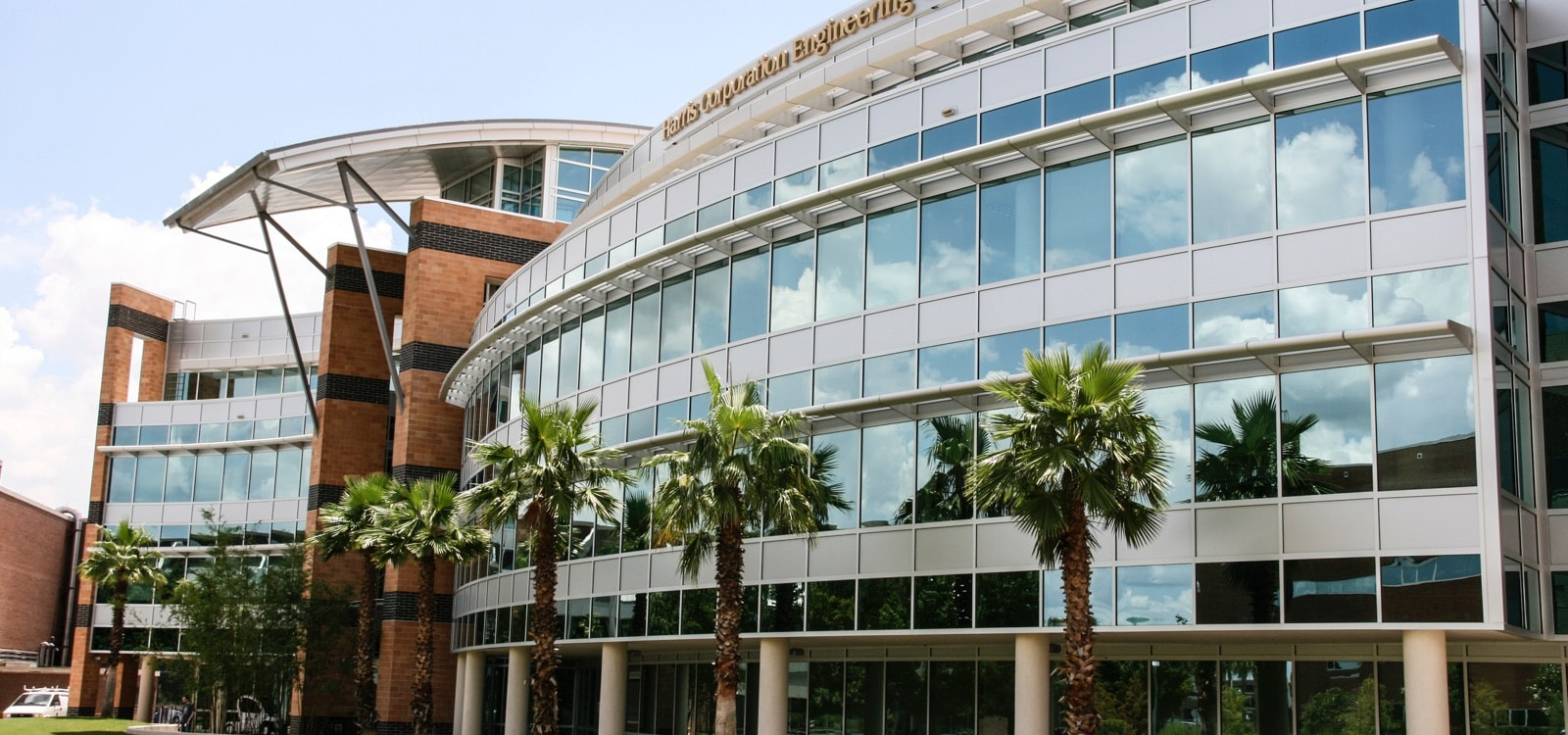 image of ucf campus building: harris corporation engineering center