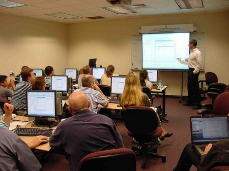 Members of the University of Central Florida's Institute for Advanced Systems Engineering gain hands-on experience with IBM's most popular systems engineering software as they prepare for careers creating the smart cities, healthcare systems and advanced products and systems of the future.