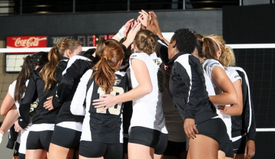 Volleyball Knights Reach 20-win Milestone