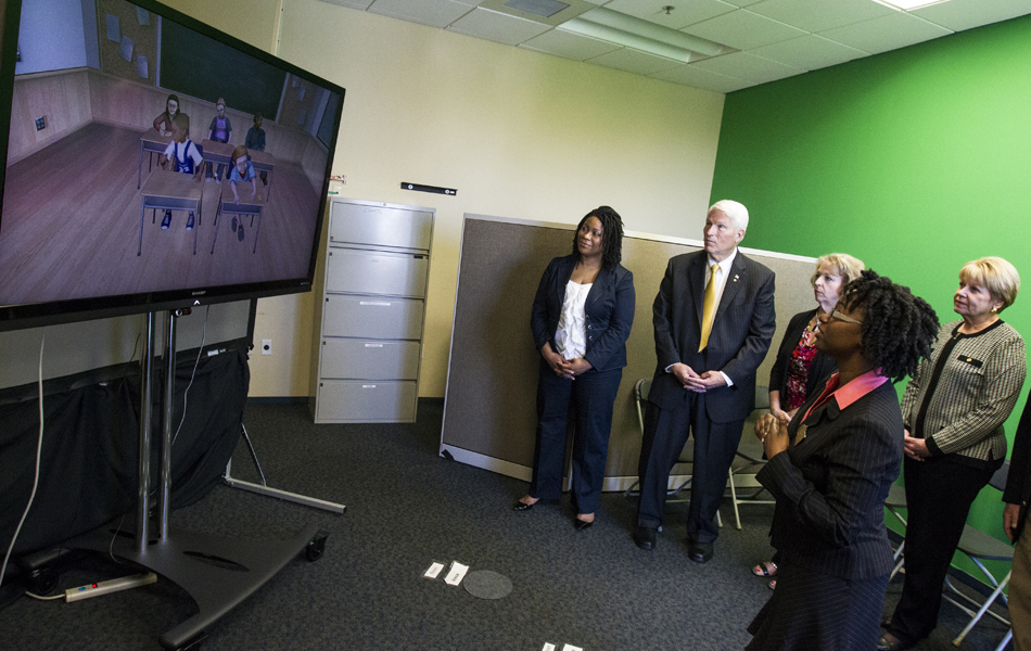 Innovative Classroom Programs ~ Ucf s virtual classroom software receives grant for