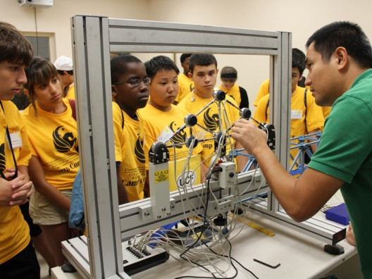 Teens Discover Engineering at UCF