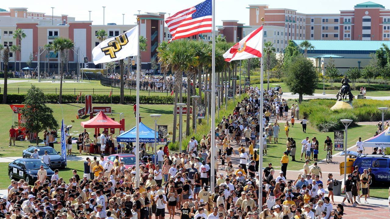 Central Florida Golden Knights UCF University College House Flag