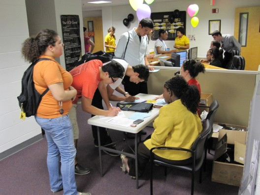 Students Connect with Academic Advisors at Open House
