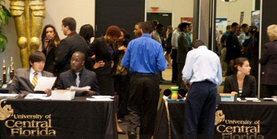 Co-op/Internship Fair Matches Students with Employers