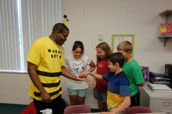 UCF Shares A Love of Bugs With Young Children