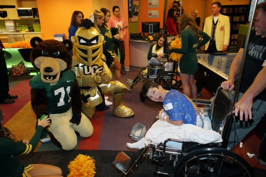 UCF, Baylor Fans Give Back Before Fiesta Bowl