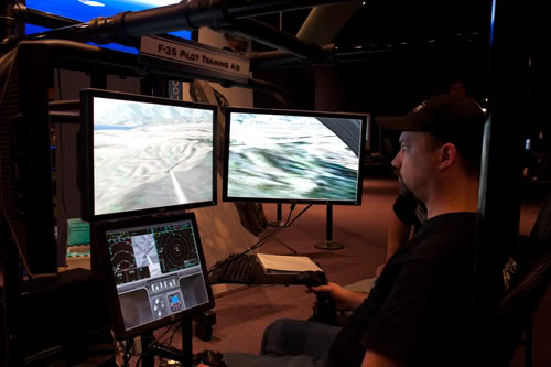 UCF Hosts Game Competition at Orlando Science Center's Otronicon Expo