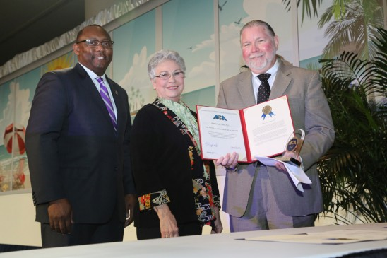 Potter Receives National Award for Corrections Research