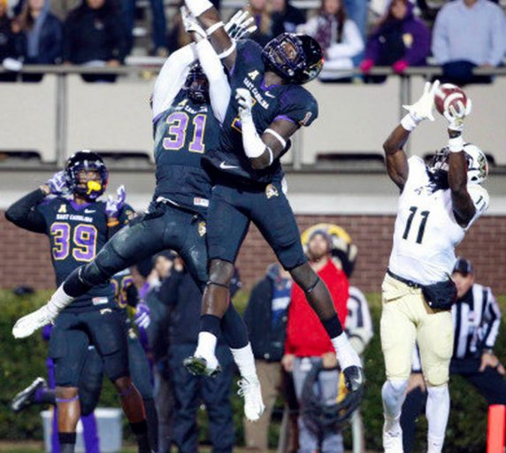 Breshad Perriman catches the game-winning touchdown.