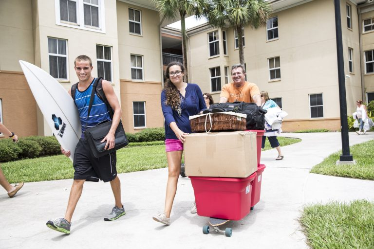 UCF Move in Day: Ditch the Singing Fish and Prepare for Tears