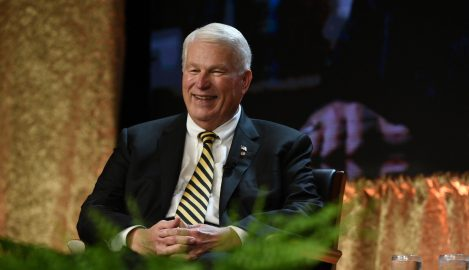 Central Florida Honors President Hitt on 25 Years of Service to UCF, Community