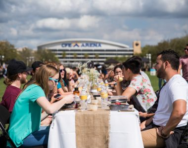 PHOTOS: 500 Students Gather for a Free Lunch on Memory Mall