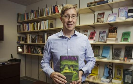 5 Minutes With the Professor Whose Popular Class Analyzes Harry Potter