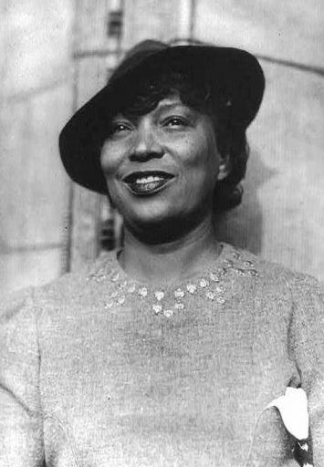"""All first-year students at UCF read Zora Neale Hurston's """"Dust Tracks on a Road"""" as a part of the Common Read program."""