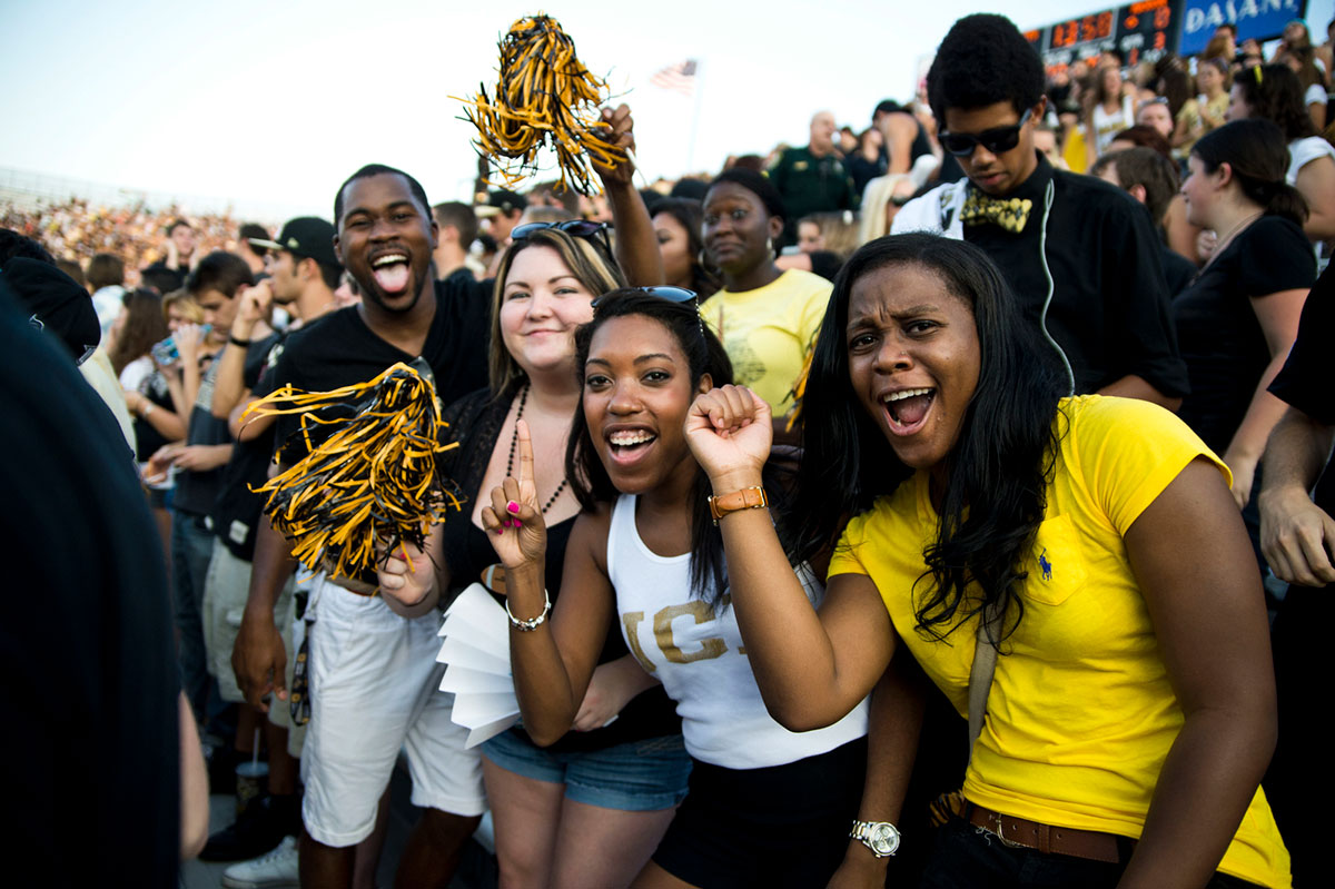 photo of UCF fans cheering