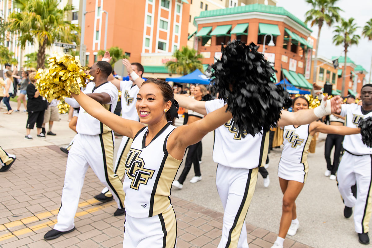 ucf-football-sc-state-march
