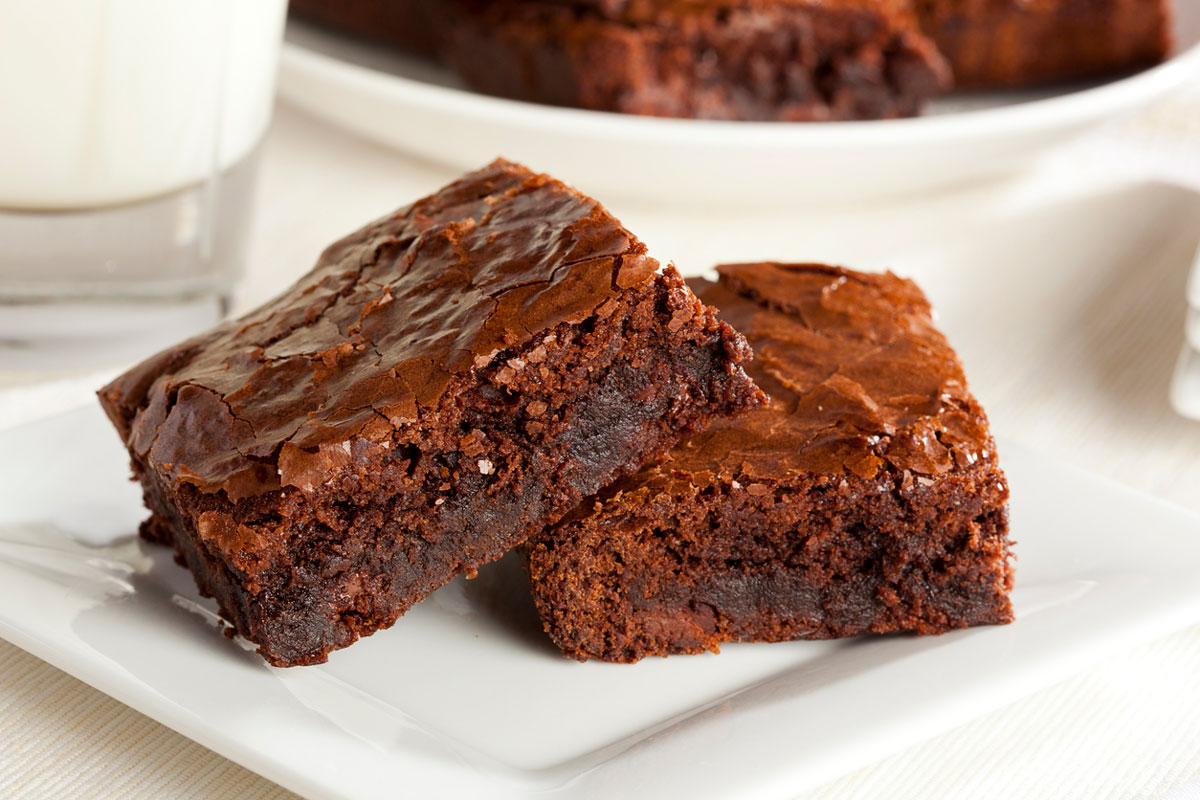plate of two brownies