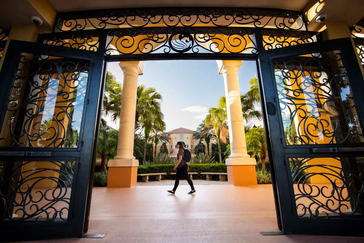 2 from UCF's Rosen College Honored by Tourism Scholars Academy