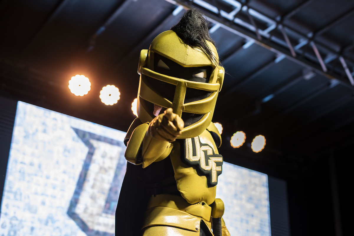 Knightro Pointing