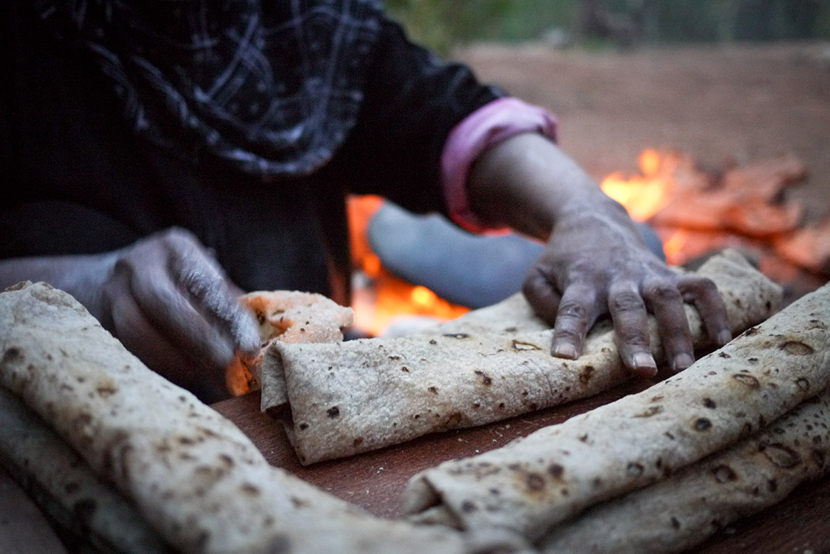 Bedouin-woman-making-shrak-bread-in-Jordan
