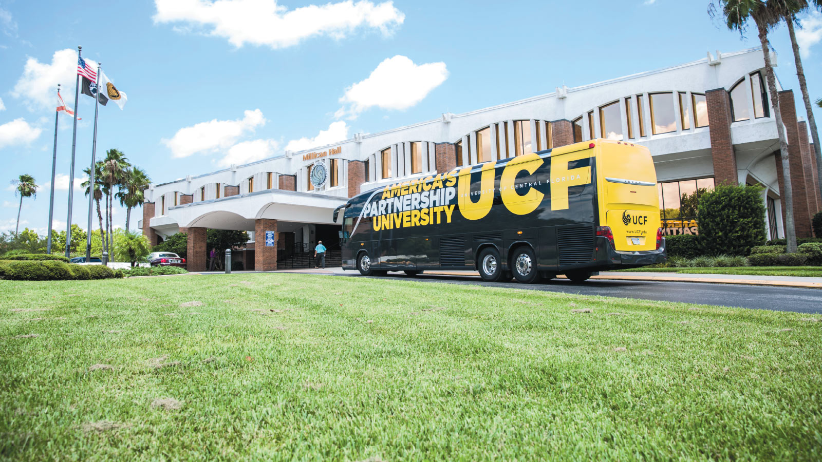 One of the two new buses that travel to and from the Rosen College of Hospitality Management