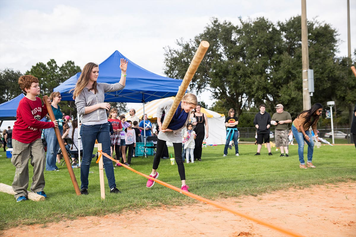 SLIDESHOWS_SPRING2015_oncampus_highlandgames1