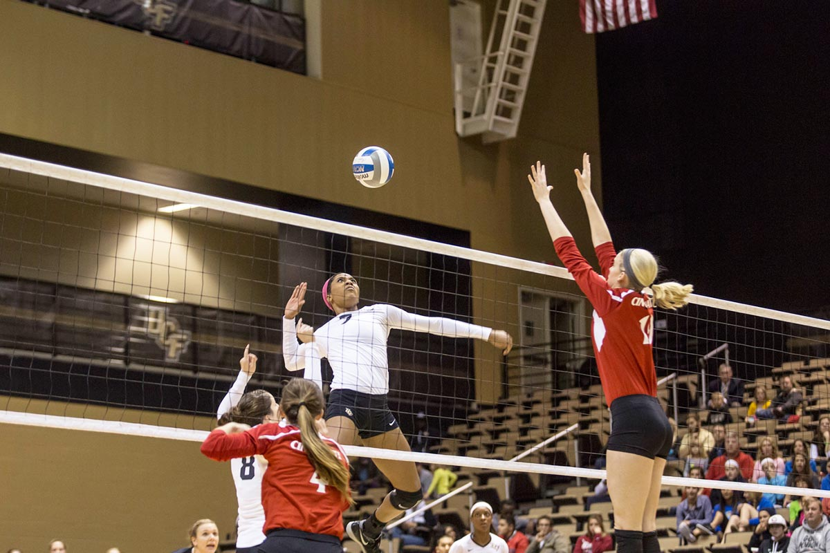 Slideshow_InFocus_Volleyball_spike 2