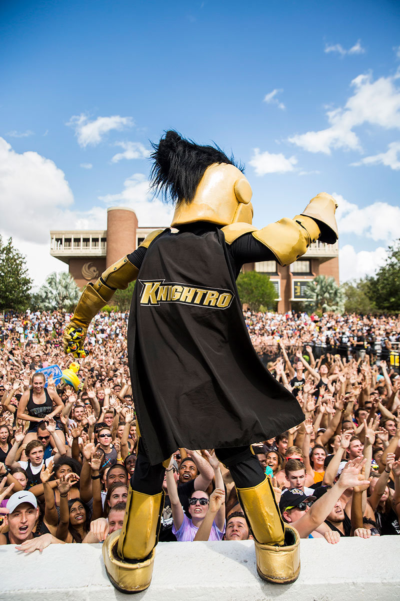 ucf-spirit-splash-2017-knightro