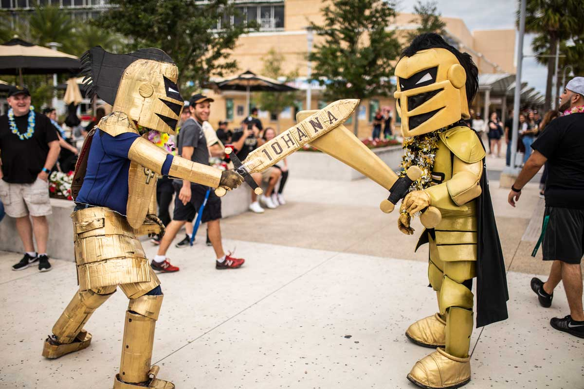 UCF mascot Knightro draws swords with fan-made Knightro