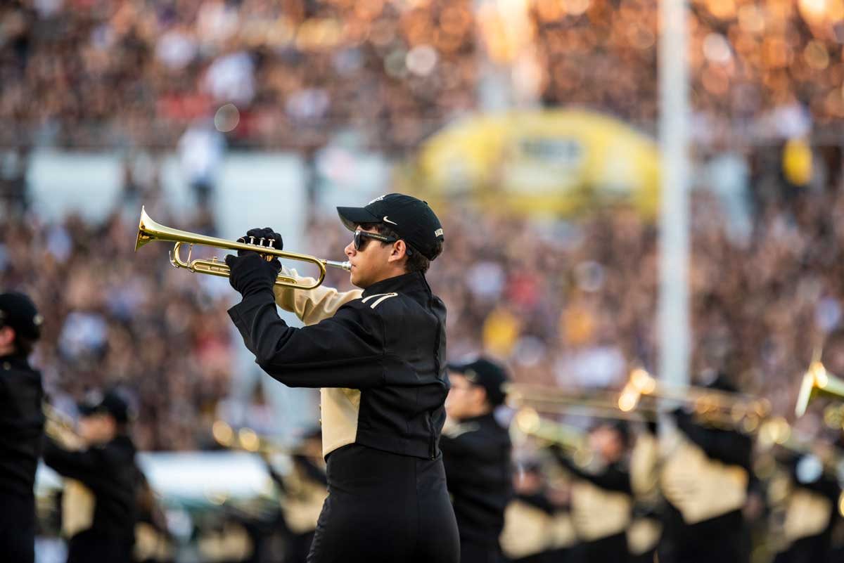 A trumpeter in a marching band